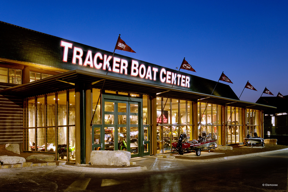bass_pro_shops_sgf_boats_projects_01 copy.jpg