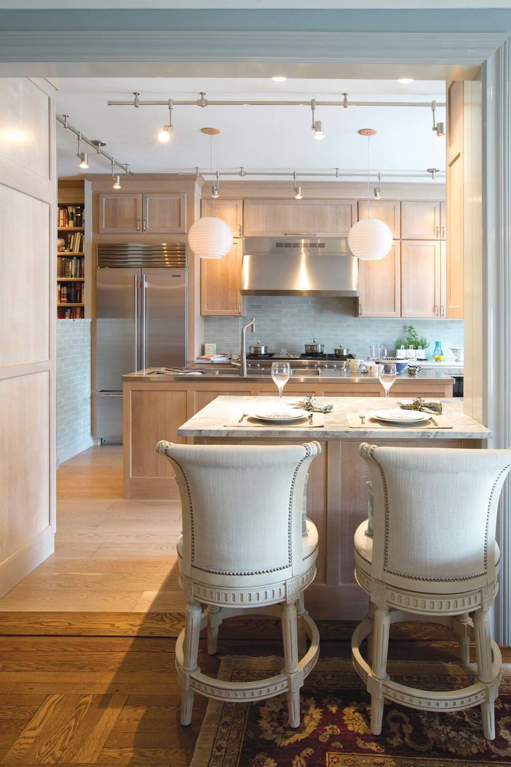 This Apartment On Manhattanu0027s Upper East Side Is Blessed With An Abundance  Of Natural Light. When It Came Time To Remodel The Kitchen, The Clientu0027s  Desire ...