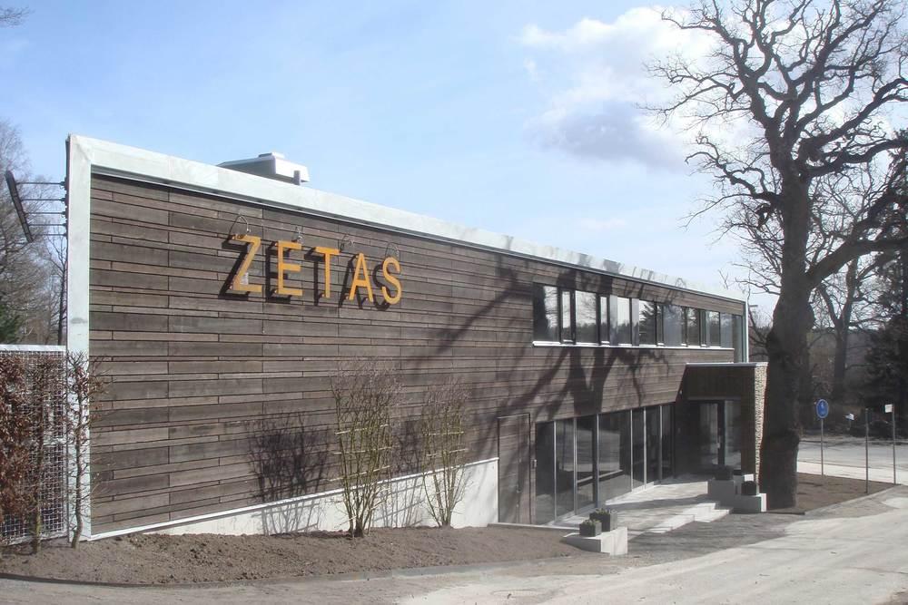 Zetas trädgård, Segeltorp