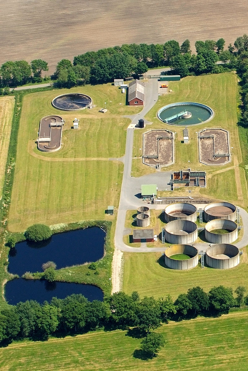 A wastewater treatment plant ( Photo  by  Martina Nolte  licensed under  CC BY-SA 3.0 de )