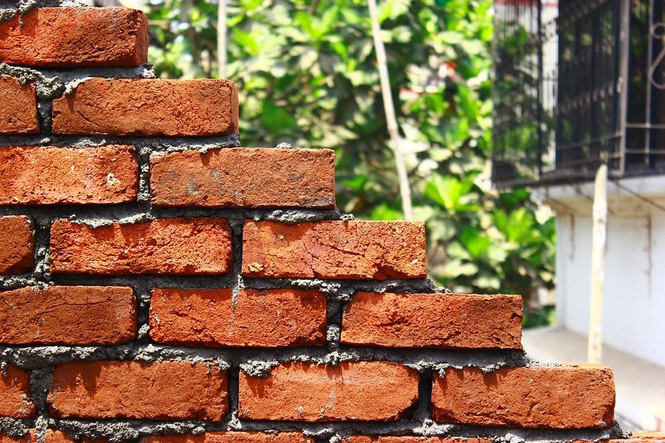 bricks-167072_960_720.jpg