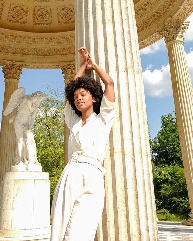 Taking time to visit the gods, but where's Venus? @whatwouldvenusdo . 📸: @iamnotyournigga . . . . . #naturalhair #allwhite #whatimwearing #wocootd #summerstaples #pursuitofhappiness #glowing