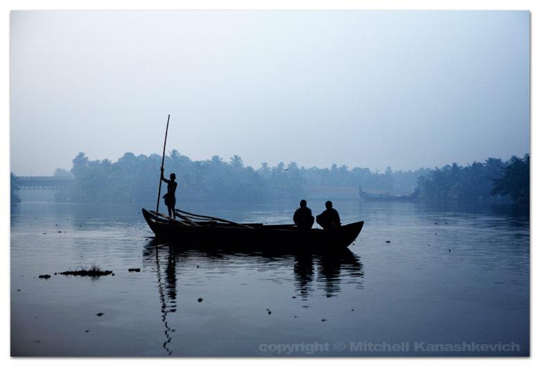 alumkadavu-passenger-boat