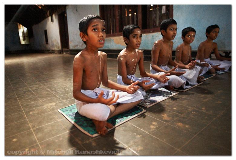 chanting-vedas