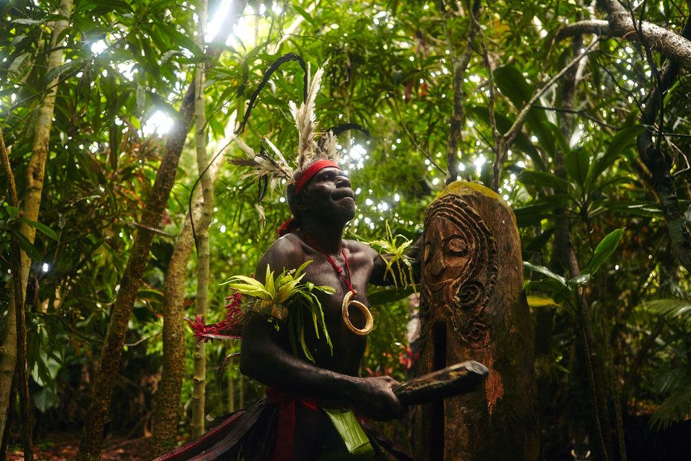 Chief Ayar drumming traditional beats