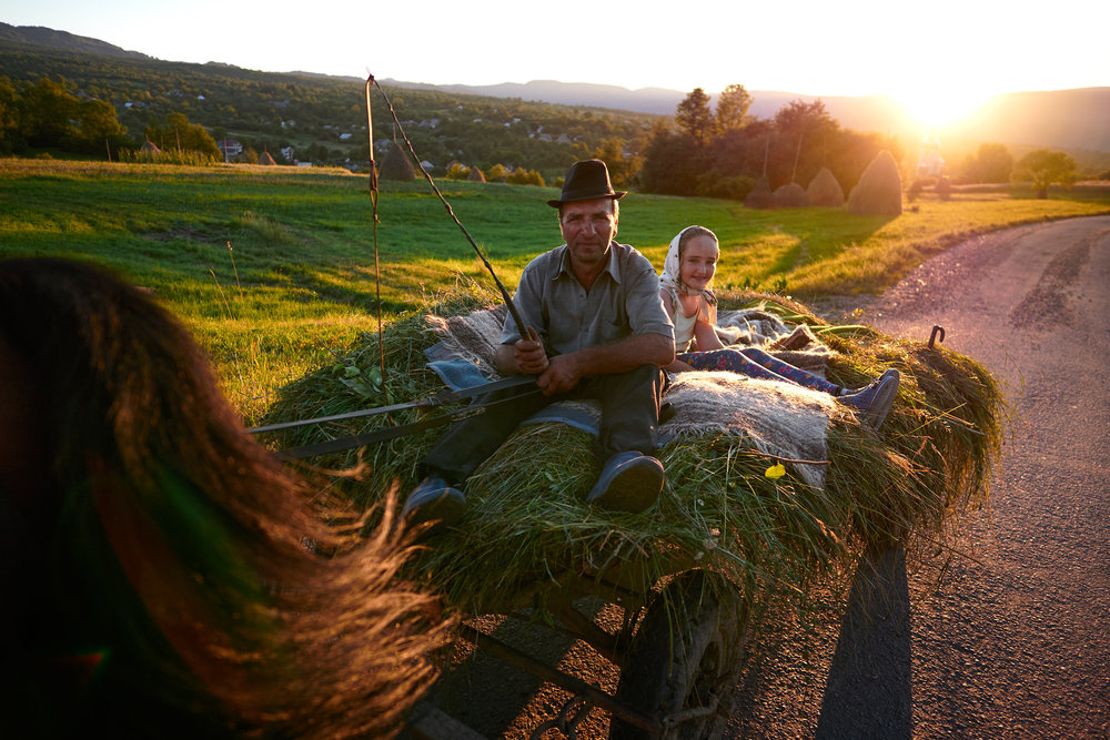 Maramures-Romania-father-and-daughter-on-horse-cart