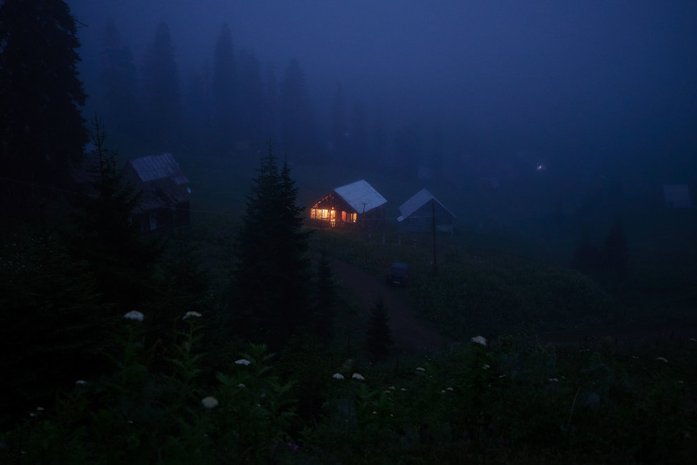 Bakhmaro-Georgia-house-in-fog-dark