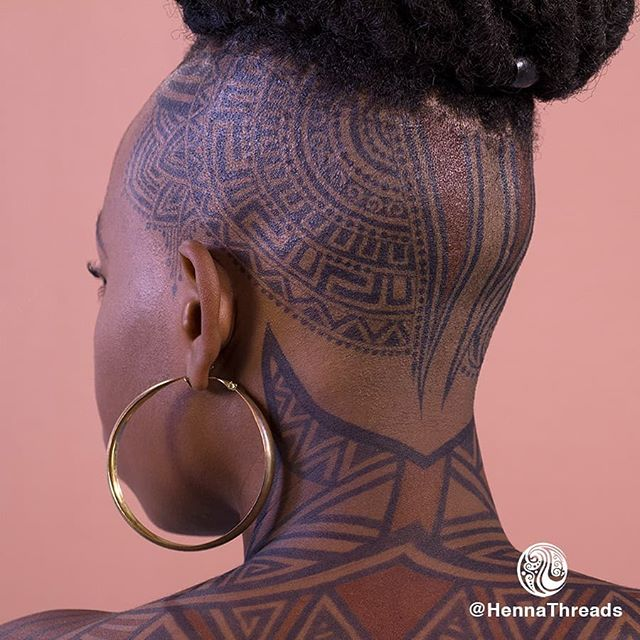 Throw back to my shoot with this beauty @jobythephotographer  Jagua stain made possible by natural powder from @freshjagua  #okoye #doramilaje #wakandaforever #jaguacrown  #jamaicanhennaartist