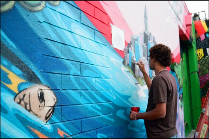 DAZE painting in Wynwood.