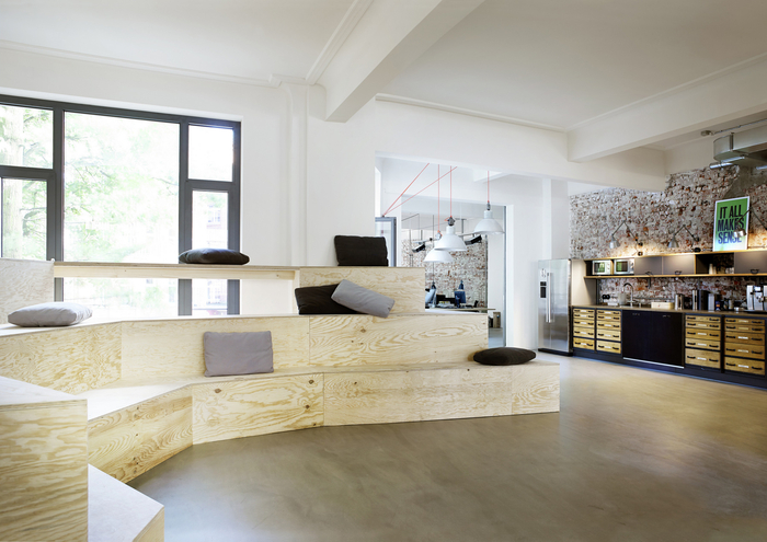 geometry-global-office-design-10-700x495.jpg