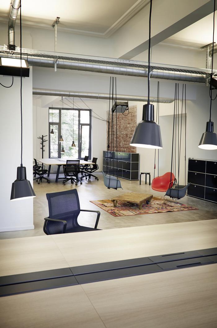 geometry-global-office-design-2-700x1058.jpg