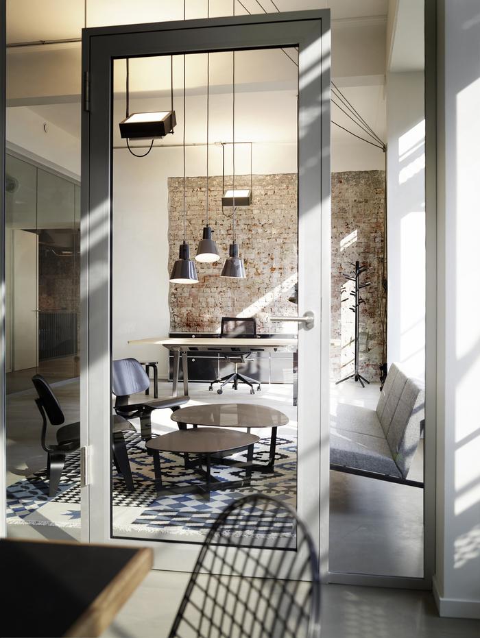 geometry-global-office-design-12-700x931.jpg