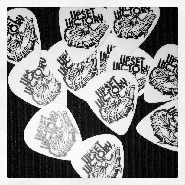 Ol' @frankievictory and I received new #custom #guitar #picks courtesy of In Tune Guitar Picks Inc.