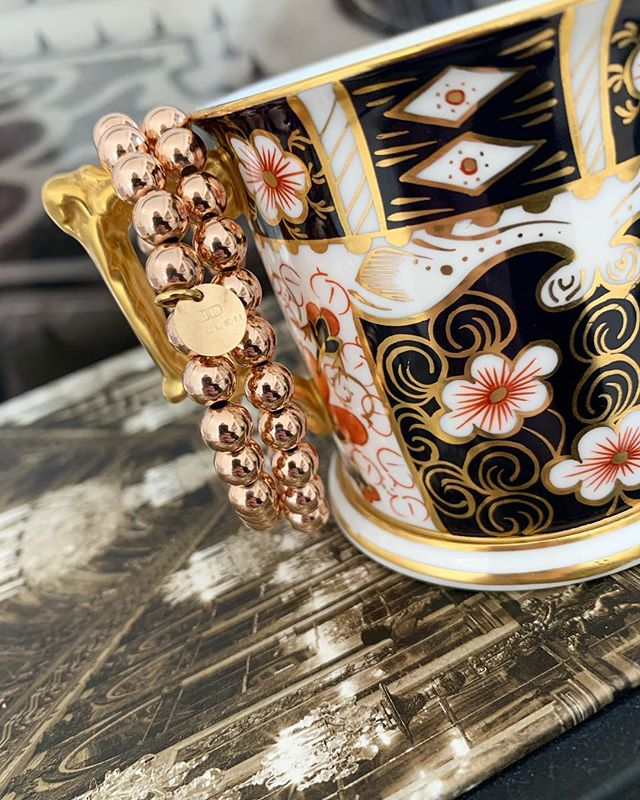 ROSE GOLD FOR THE WIN || Tap to shop our all new rose gold #buddybracelet. Also, be sure to enter our amazing #giveaway. Details in our feed! #dillenjewelry #monday