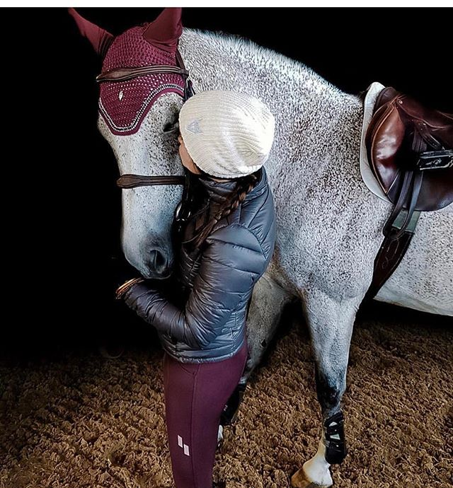 PSA: Don't forget to enter our #giveaway with @de_la_coeur and @struck_apparel. Included in the giveaway is a 14k gold crown ring, Struck Breeches, De La Coeur bonnet + beanie! Learn how to enter in our feed under the giveaway post. #happytuesday