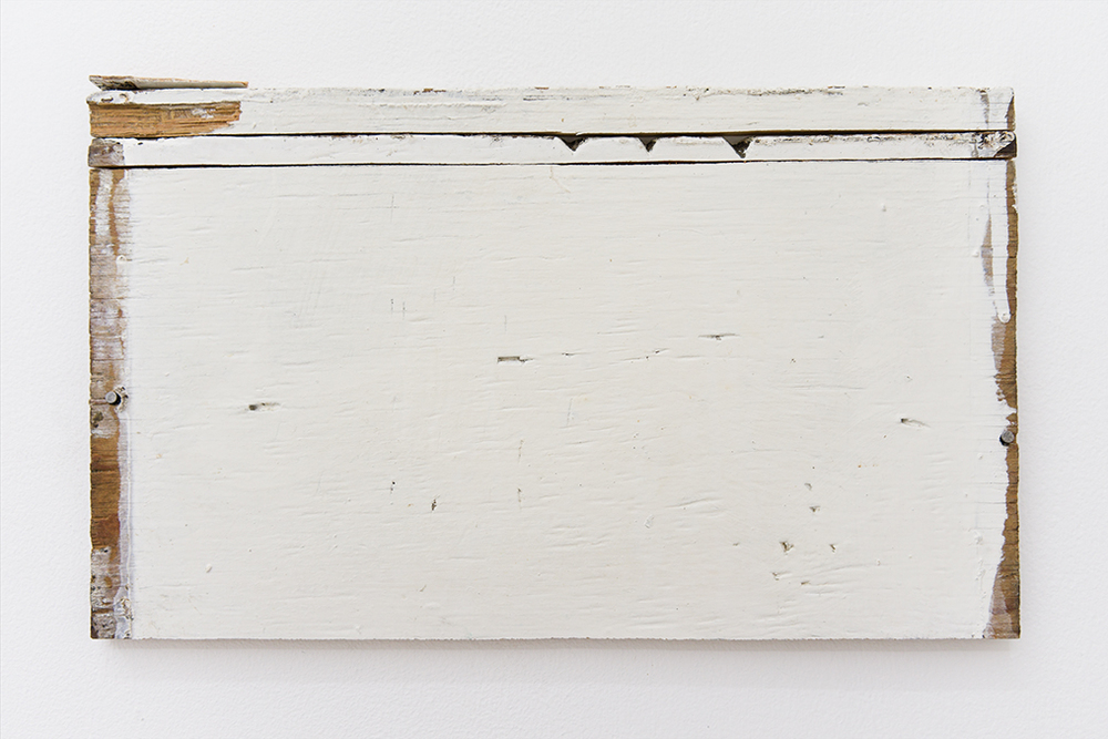 Fernanda Gomes, 2014, Plywood, paint, nails, 19.5 x 33 x 1 cm