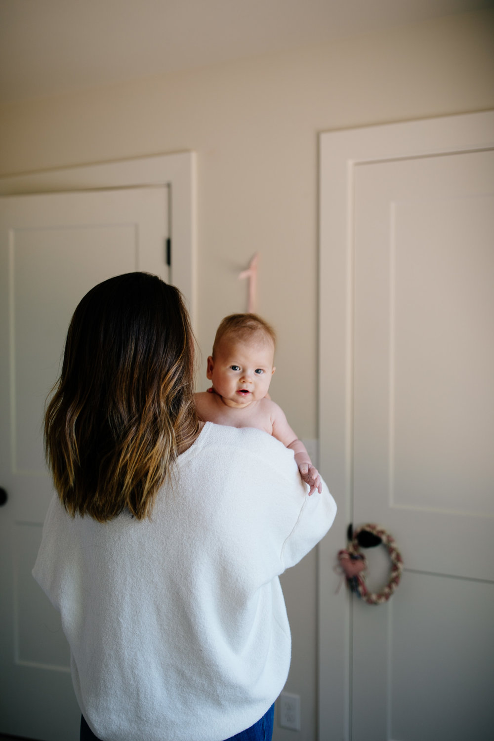 14Seattle_newborn_photographer_vashon_family_photography_lifestyle_newborn_session_baby_catie_Bergman_photo.jpg