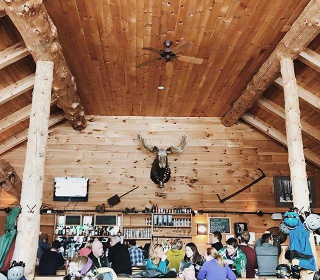 Après ski 🌲⛷🍾 #bullwinkles