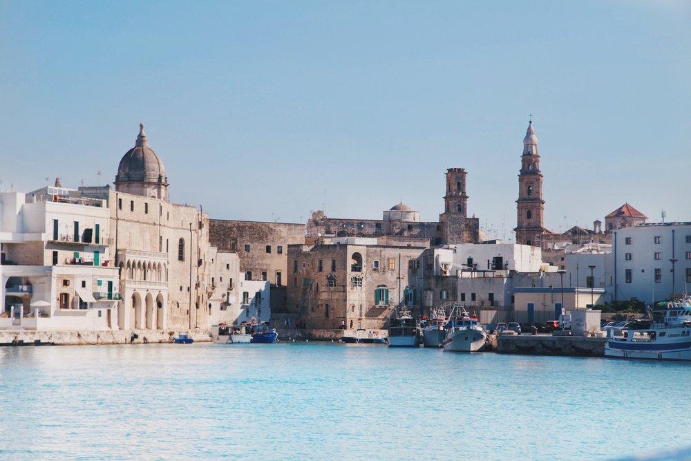 Sailing form Monopoli to Polignano a Mare