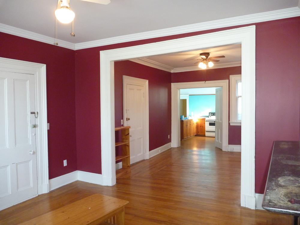 4. living room to dining room 2.jpg