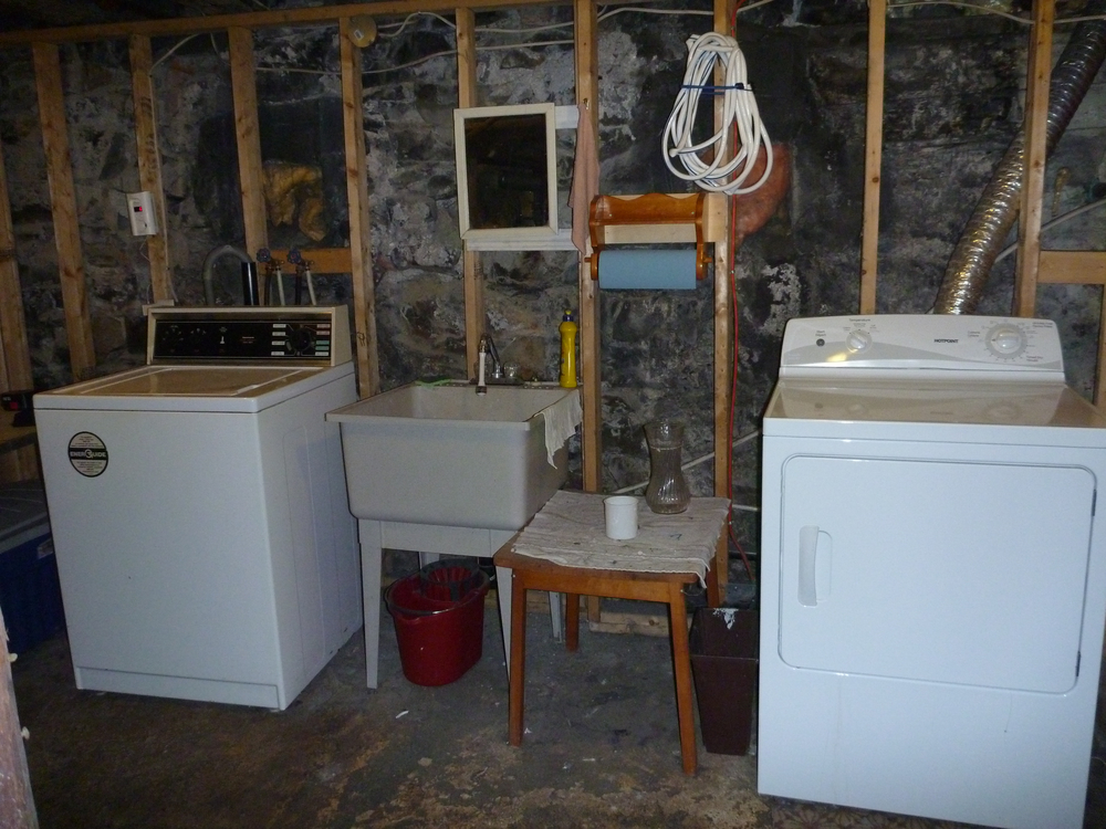 10. Washer and dryer.jpg