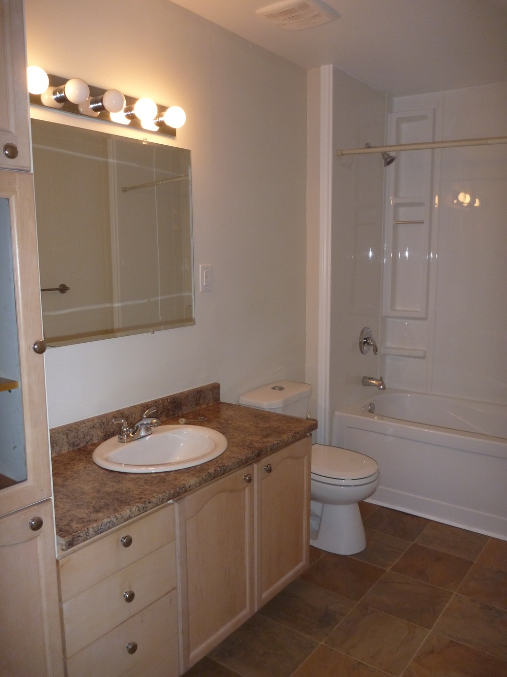 11. Bathroom 1.jpg