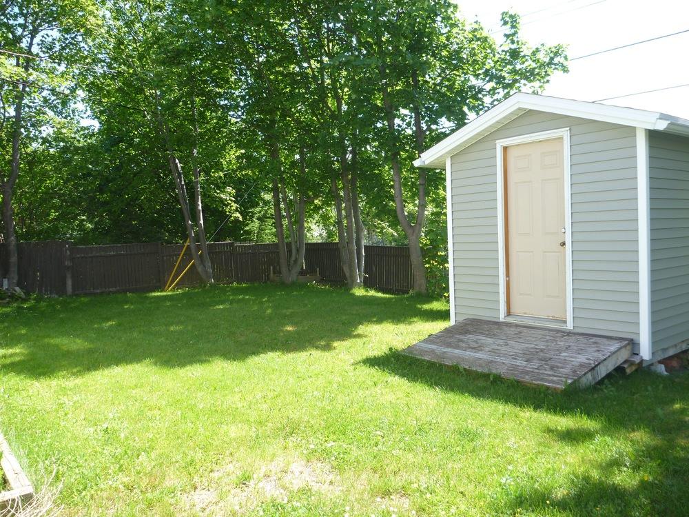 22. Backyard 2.jpg
