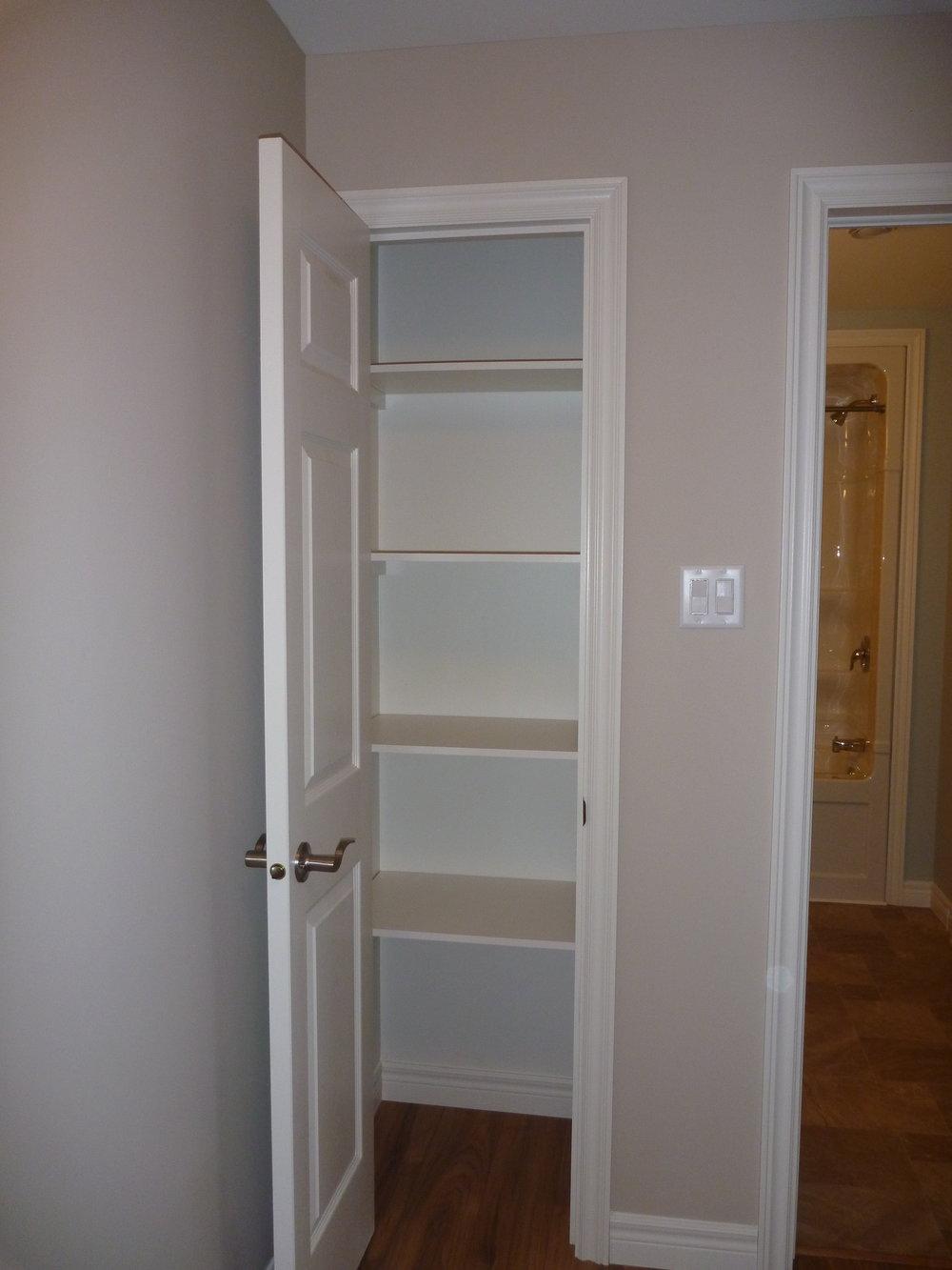 4. Linen Cupboard.JPG