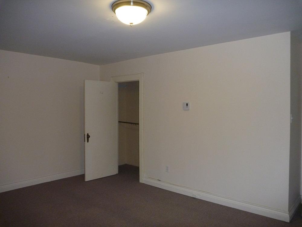 8. Master Bedroom 1.JPG