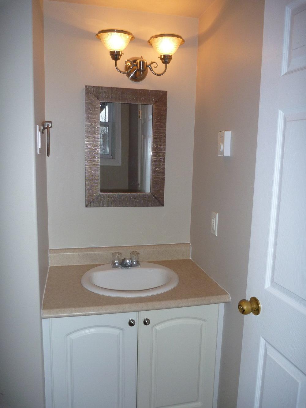 9. Bathroom 2.JPG