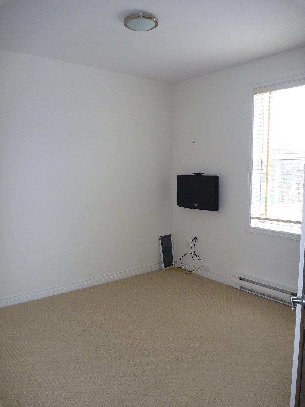22. Bedroom 1.JPG