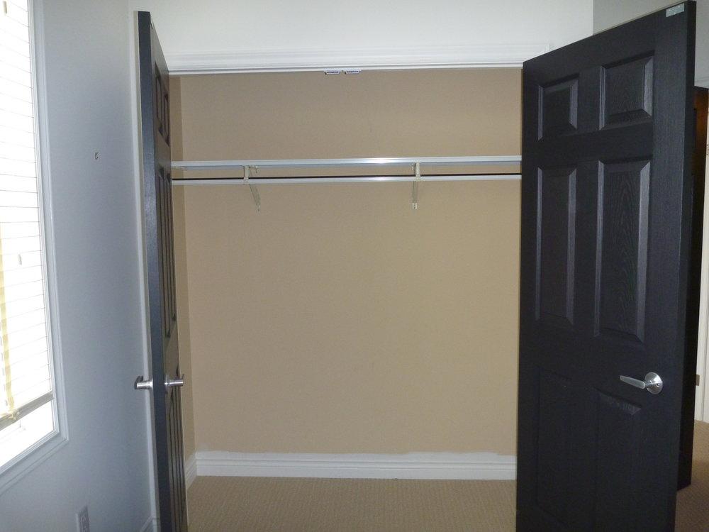 25. Bedroom - Closet.JPG