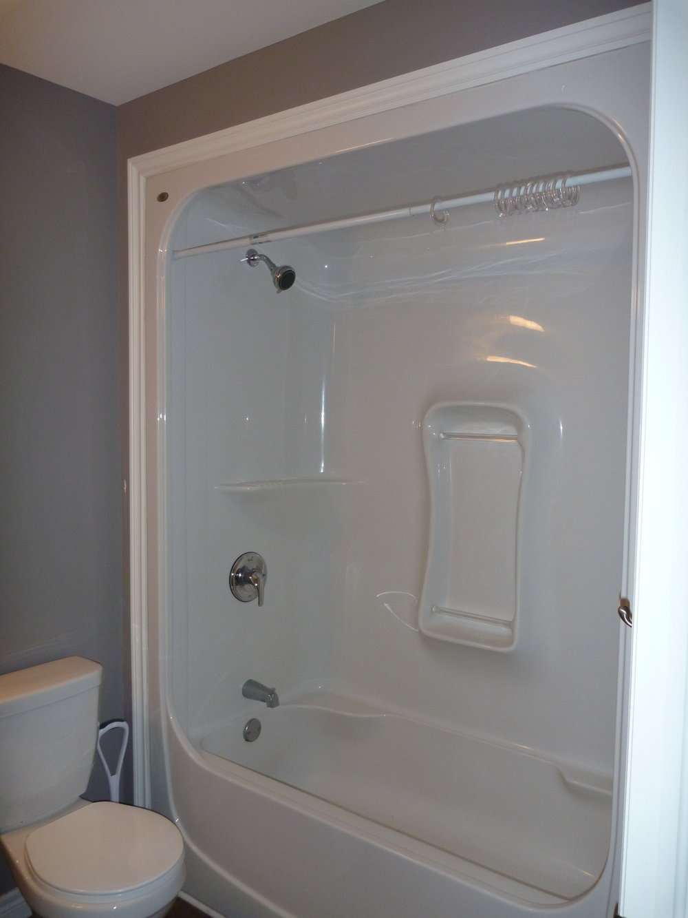 15. Bathroom 1.JPG