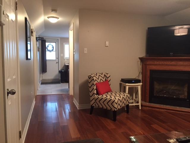 3. Living Room 3.JPG