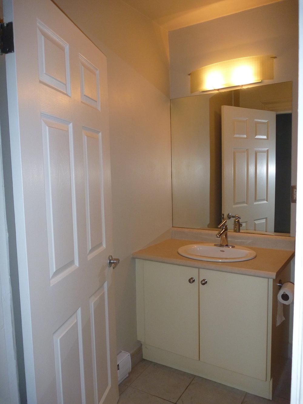 10. Bathroom 2.JPG