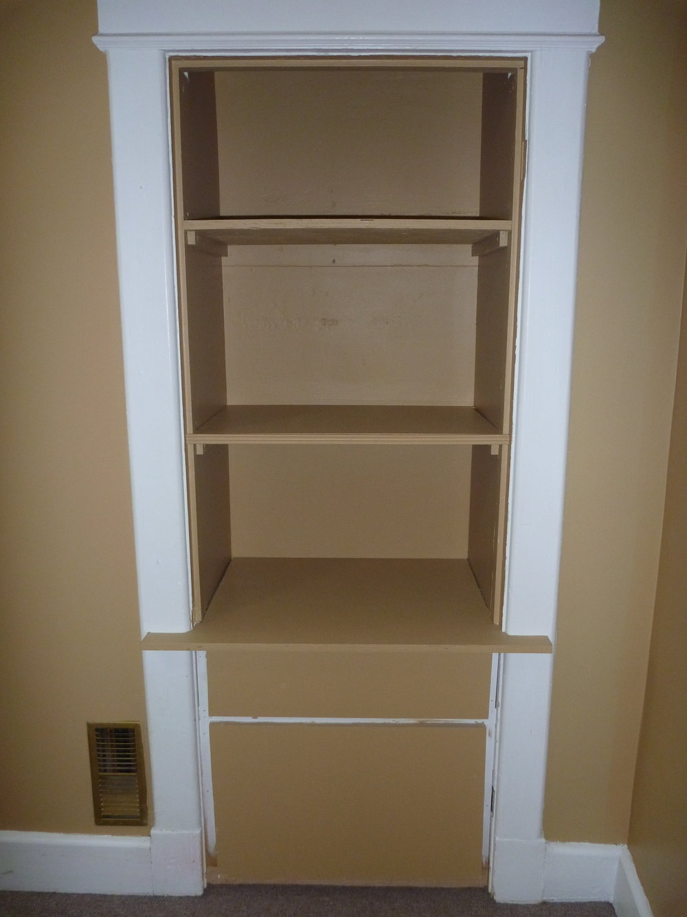 18. Master Shelf.JPG