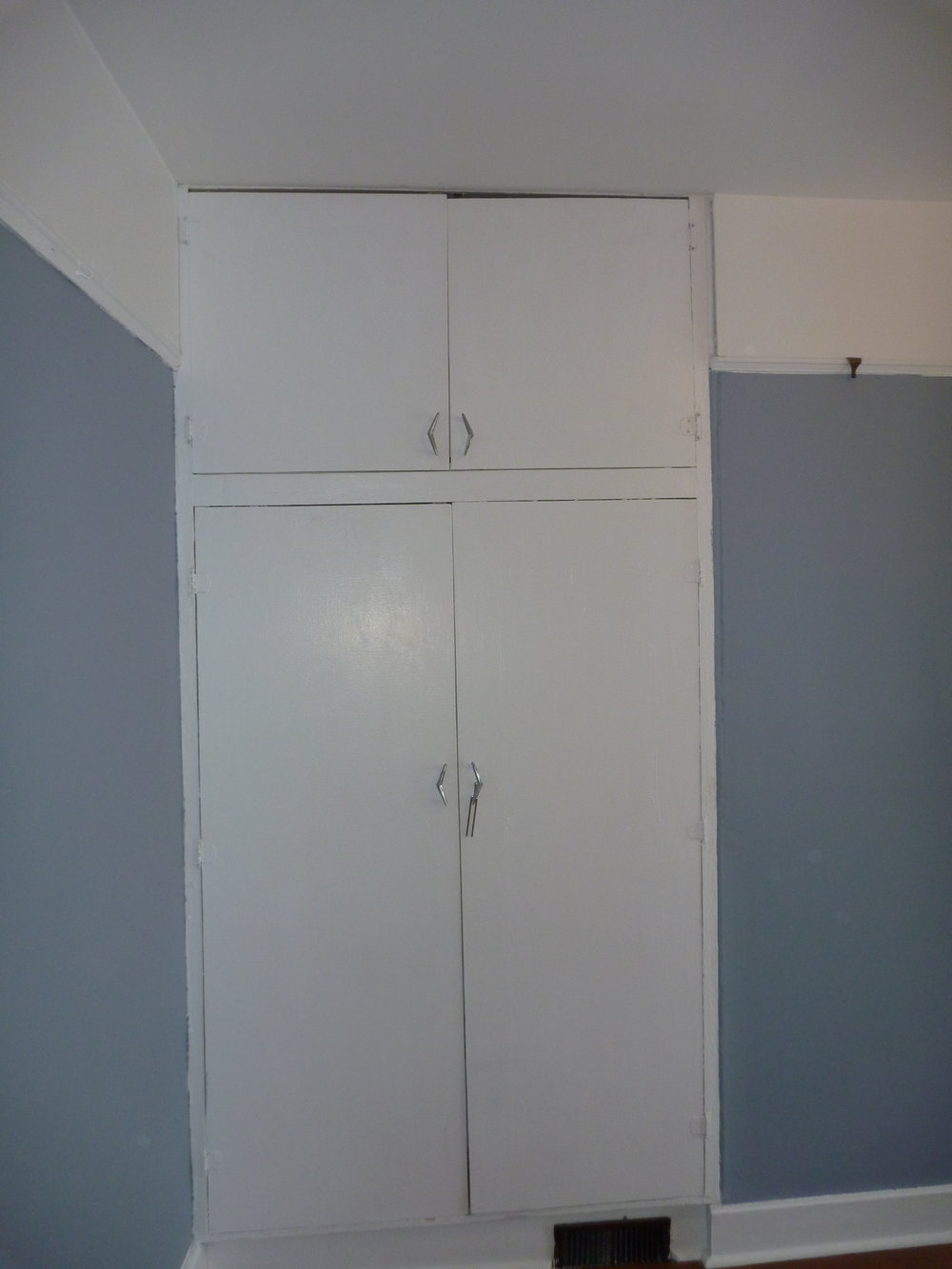 27. Bedroom - closet.JPG
