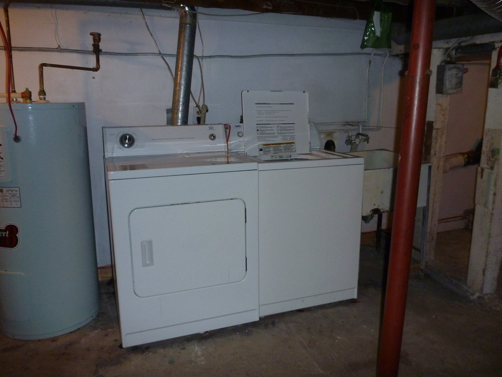 33. Washer and Dryer.JPG