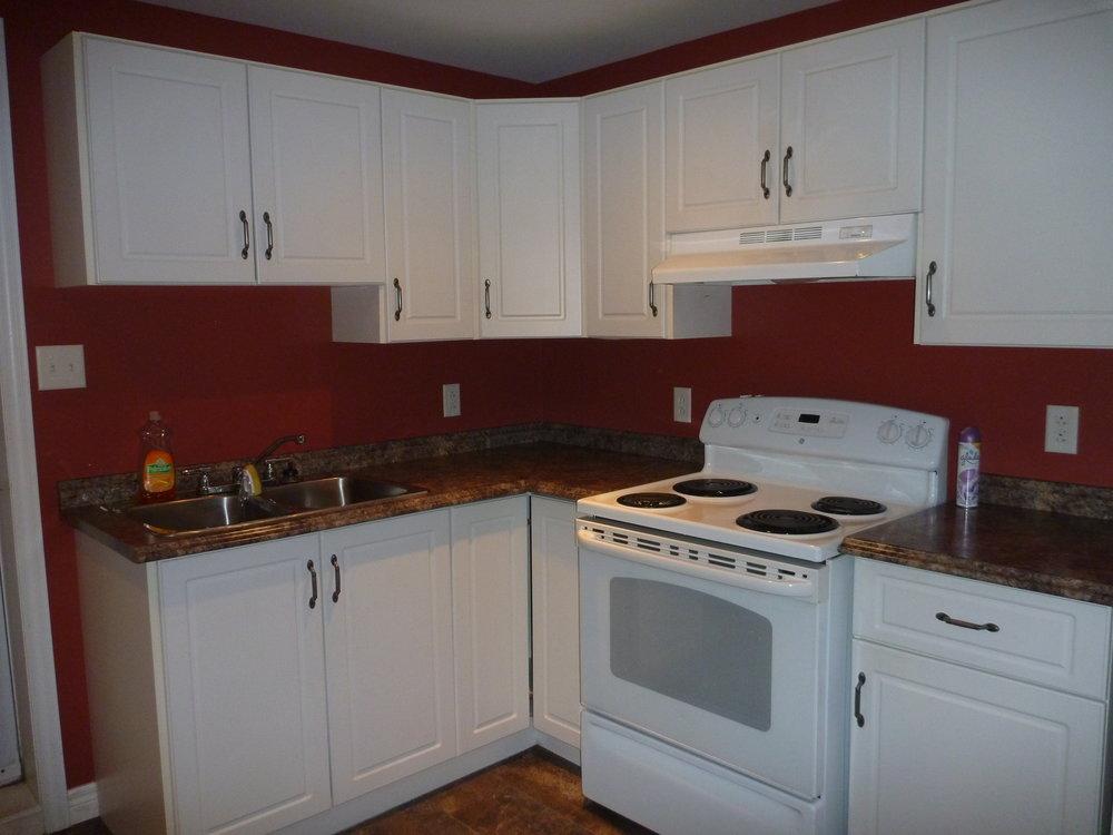 3. Kitchen  3.JPG