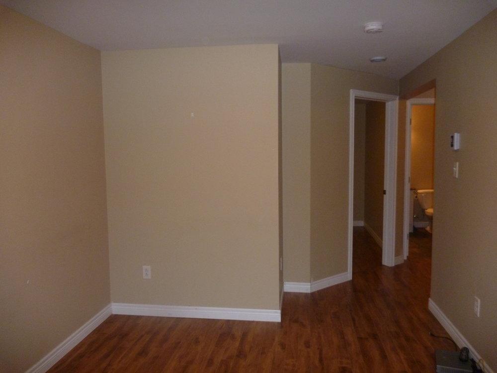 10. Living Room 3.JPG