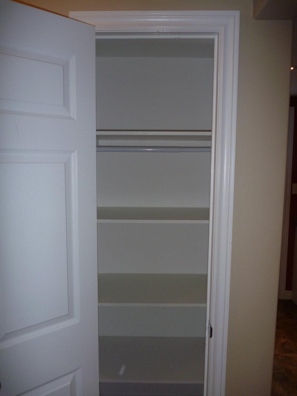 13. Linen Cupboard.JPG
