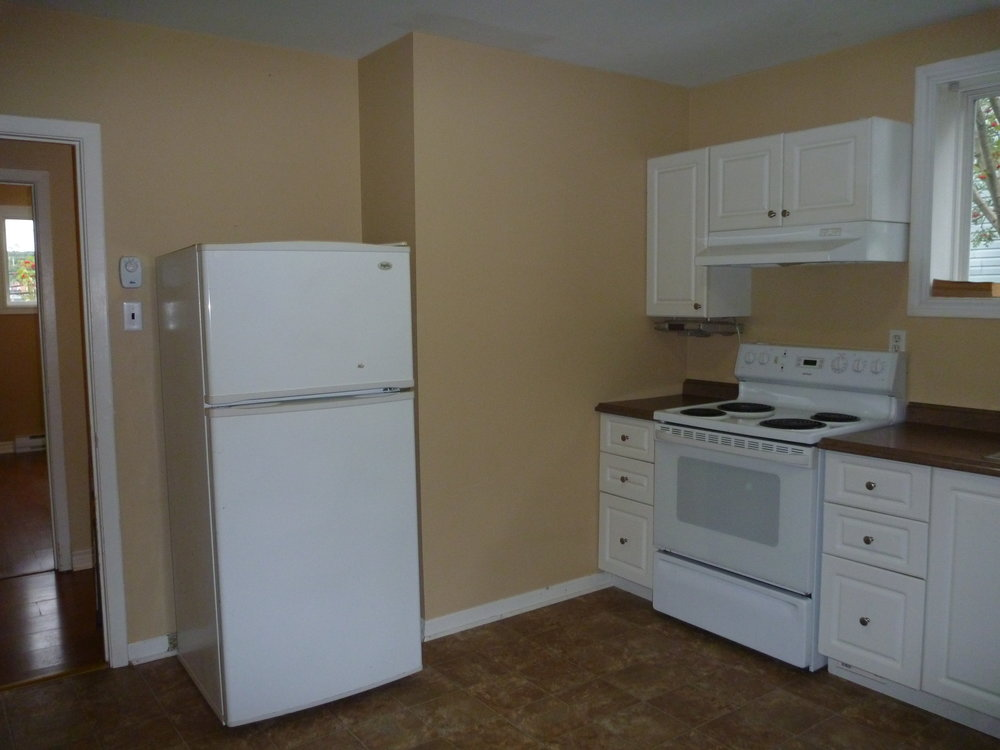 3. Kitchen 3.JPG
