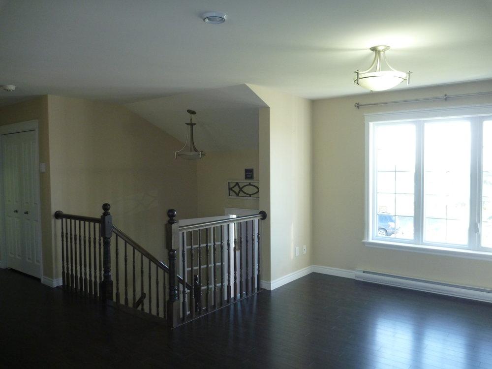 5. Living Room 3.JPG
