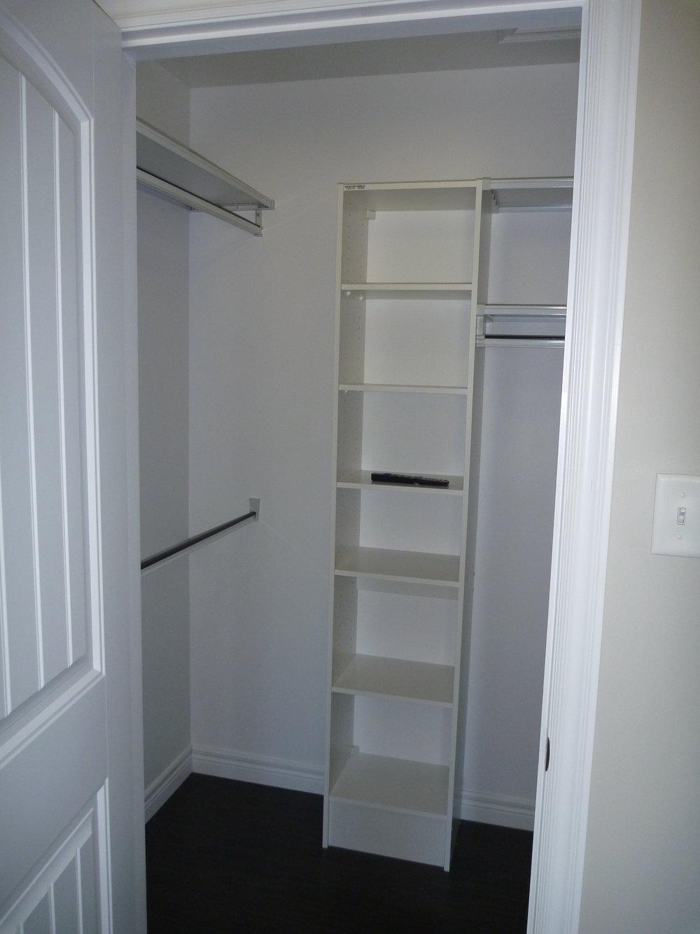 11. Master Closet.JPG
