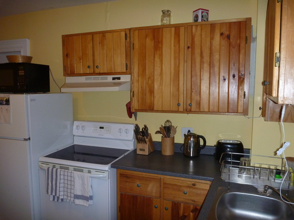17. Kitchen 3.JPG