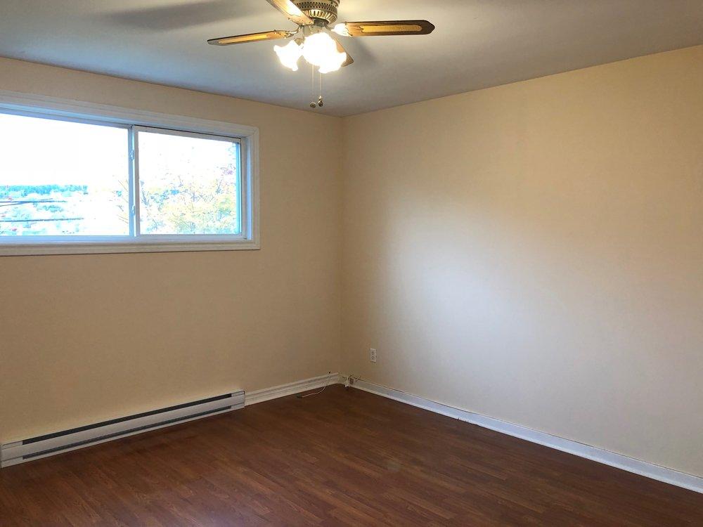 10. Living Room 1.jpg