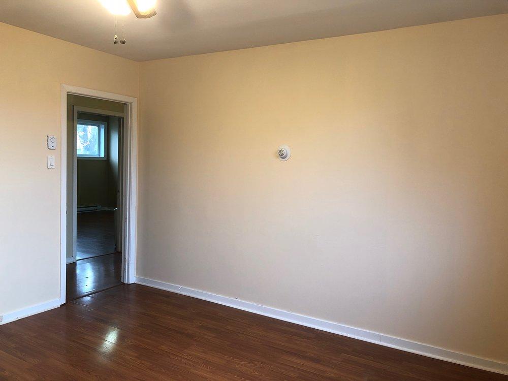 13. Living Room 3.jpg