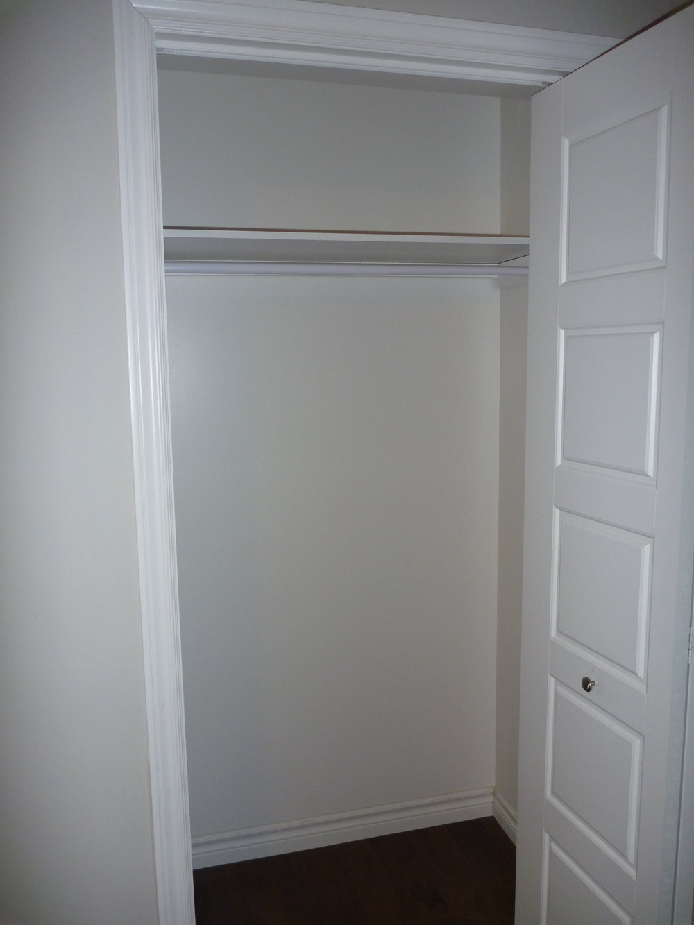 6. Closet.JPG