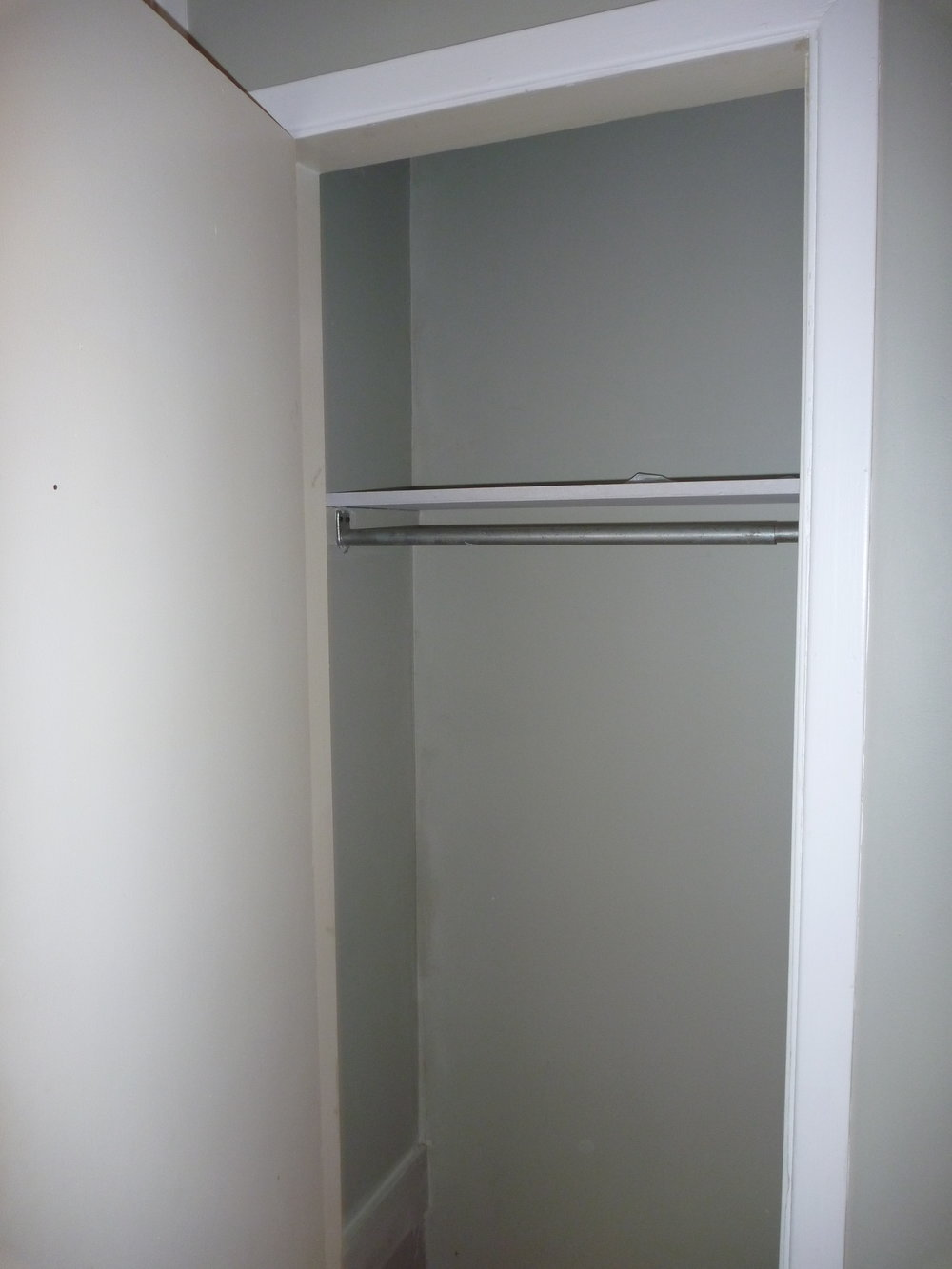7. Closet2.JPG