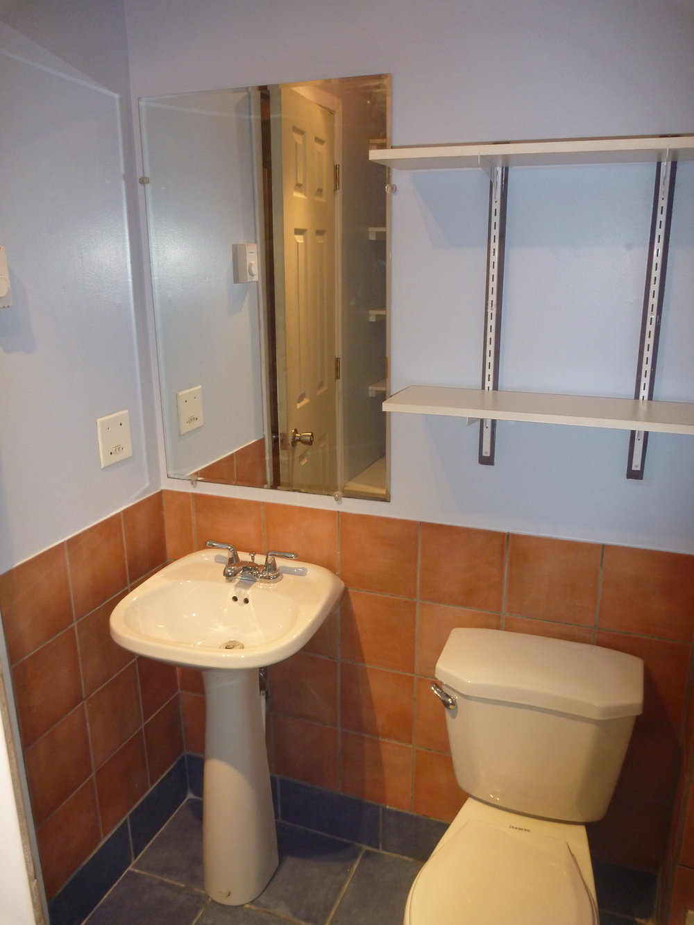 11. Bathroom 2.JPG